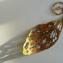 Tyvek leaf