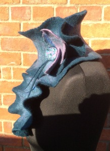 Side view of Sculpted Collar