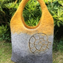 Ammonite Bergschaf Shoulder Bag